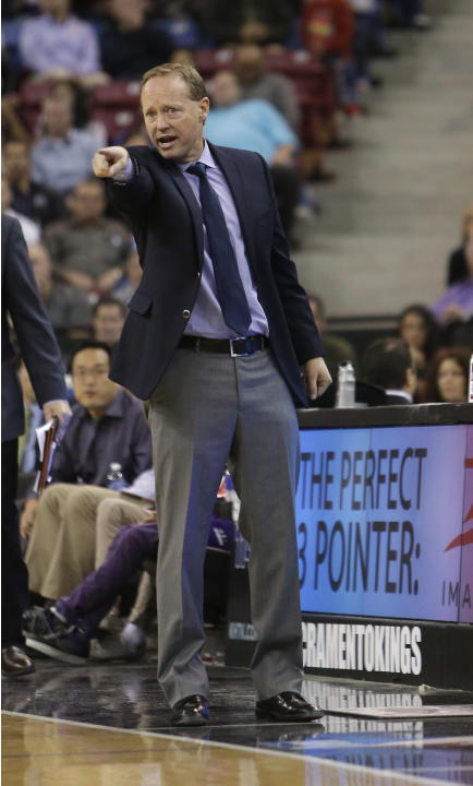 Atlanta Hawks head coach Mike Budenholzer calls out instructions to his players during the  fourth quarter of an NBA basketball game against the Sacramento Kings in Sacramento, Calif., Tuesday, Nov. 5