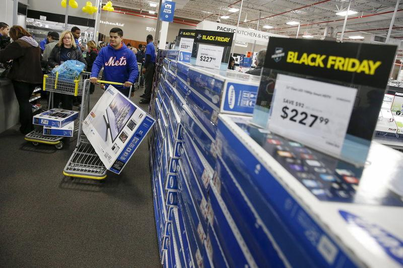 Apparel demand up, electronics flat over U.S. Black Friday weekend: MasterCard