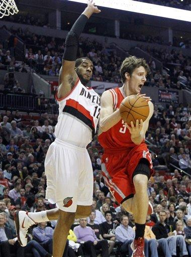 Dragic leads Rockets to 94-89 win over Blazers