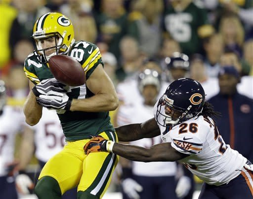 Packers run fake FG, beat Bears 23-10