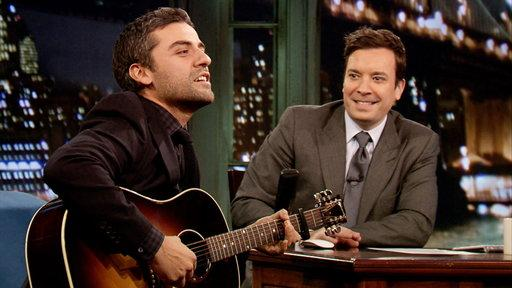 "Oscar Isaac Performs a Folk Version of ""Roar"""