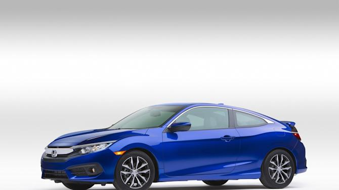 Honda's 2016 Civic coupe boasts tech and turbo power in a sleek package
