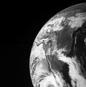NASA Spacecraft Snaps Amazing Photo of Earth En Route to Jupiter