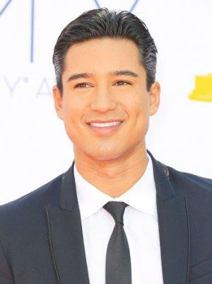 Mario Lopez and Courtney Mazza Wed; TLC Special to Air December 8