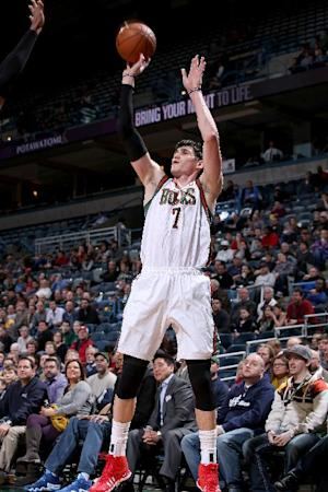 Ilyasova scores 31, Bucks beat Jazz 114-88