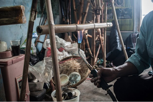 Indonesian Craftsmen Use Bamboo To Make Bike