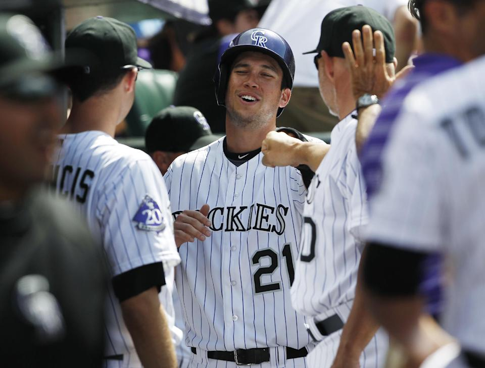 Chatwood's strong outing lifts Rockies over Phils