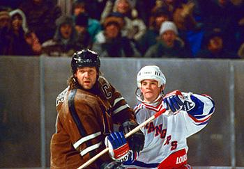Sheriff John Biebe ( Russell Crowe ) leads his small-town team against the New York Rangers in Mystery, Alaska
