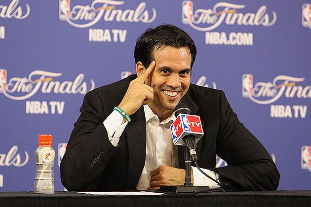 Erik-spoelstra-quizzes-force-you-to-use-your-mind.-bruce-yeung-nbae-getty-images