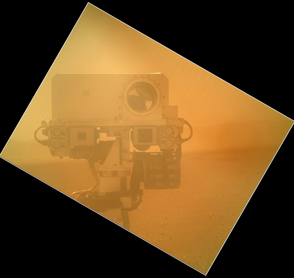 Curiosity sends high-resolution, colour portraits from Mars