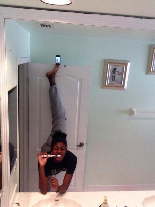 Bathroom Selfie: The 12 Most Extreme Selfies From The 2014 Selfie Olympics