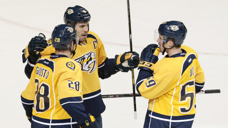 Predators use fast start in 4-2 win over Coyotes