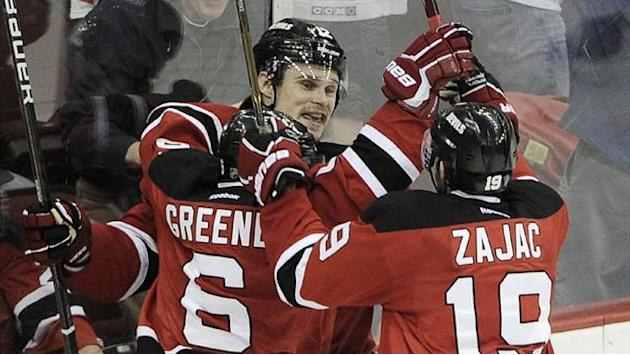 NHL - Devils sign center Zajac to long-term deal