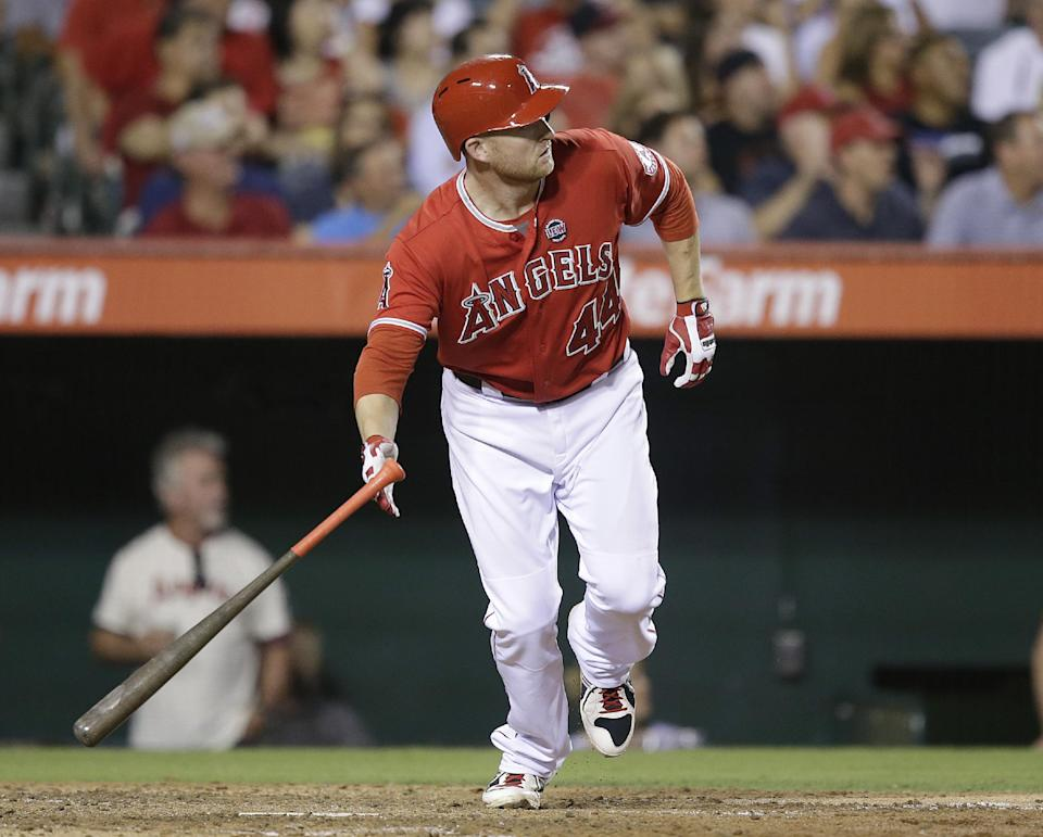 Trumbo has 5 hits, Angels beat Blue Jays 12-6