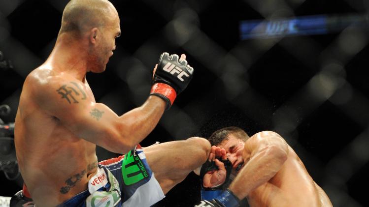MMA: UFC on FOX 8-Lawler-Voelker