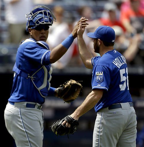 Davis, Francoeur lead Royals past Braves 1-0