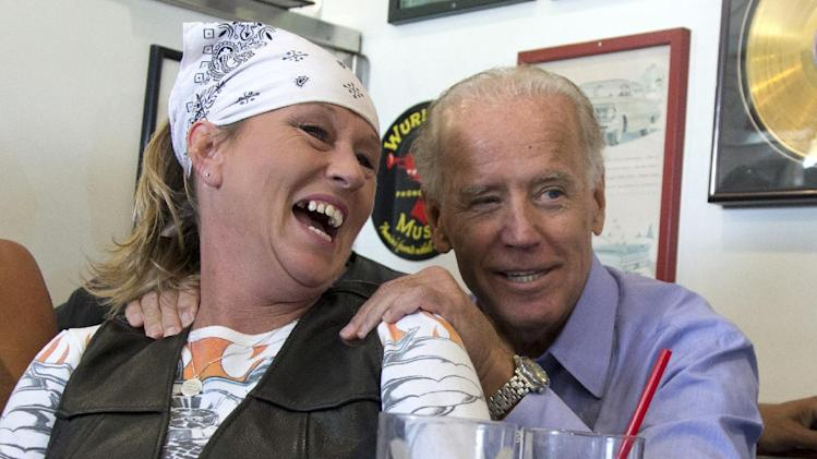 Vice President Joe Biden visits with patrons over lunch at Cruisers Diner, Sunday, Sept. 9, 2012, in Seaman, Ohio.  (AP Photo/Carolyn Kaster)