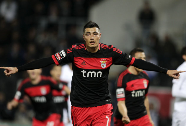 Benfica's Cardozo celebrates his goal against Guimaraes during their Portuguese Premier League soccer match in Guimaraes