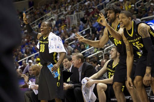 Oregon blows past Saint Louis 74-57 in 3rd round