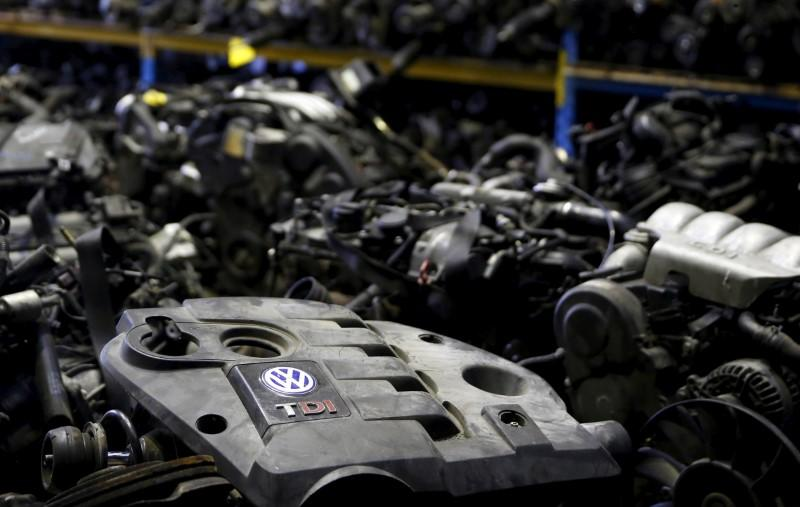 U.S. agency concerned about destroyed, lost phones in VW probe