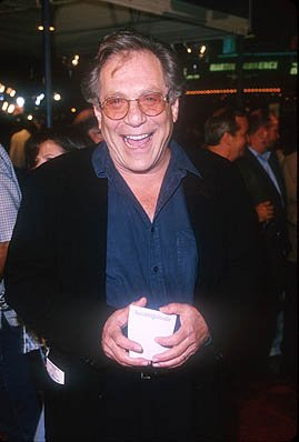 Premiere: George Segal at the Mann Village Theater premiere of Warner Brothers' Three Kings - 9/27/1999 