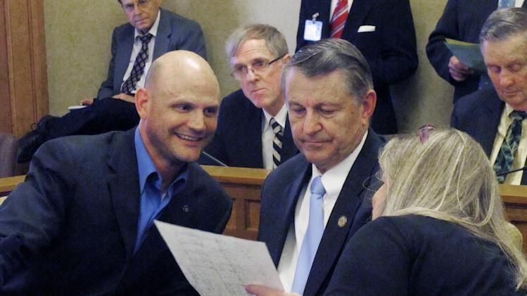 Kan. lawmakers get closer but stall on sales tax