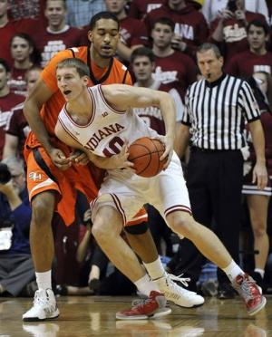 No. 1 Indiana cruises past Sam Houston St., 99-45