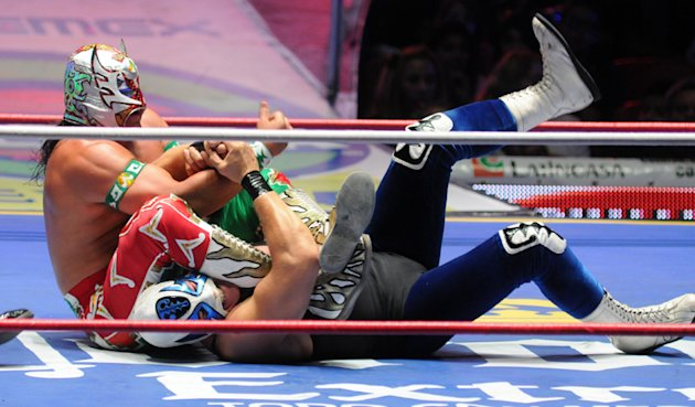 Ultimo-Guerrero-vs-Atlantis-jpg