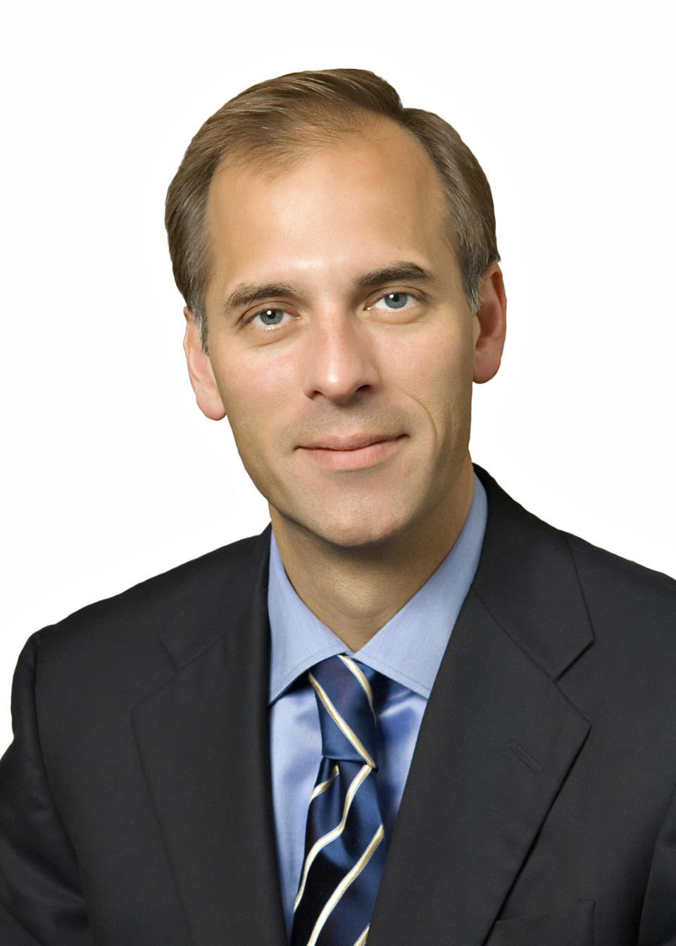 In this undated photo provided by Moody's Economy.com, Mark Zandi, chief economist and chief investment strategist, is shown. Zandi says that if the economy looked like it was going to slip into another recession, Congress should exempt employers from the payroll tax for three months, among other steps. (AP Photo/Moody's Economy.com) NO SALES