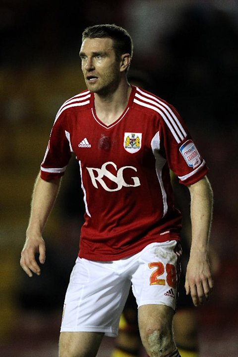 Stephen McManus has re-joined Bristol City on loan
