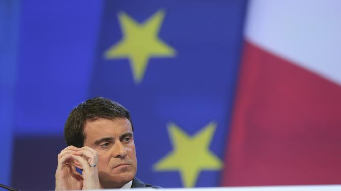 French Prime Minister Manuel Valls attends the French Mayors Association (AMF) annual meeting in Pari