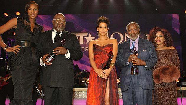 BET Honors 2013: Backstage - Lisa Leslie, T.D. Jakes, Halle Berry, Clarence Avant and Chaka Khan