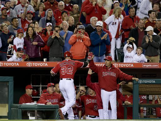 Pujols' 2-run double lifts Angels over Astros 5-4