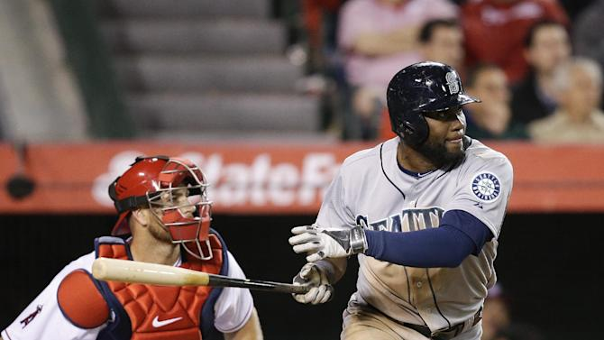 Mariners roar past Angels 10-3 on opening day
