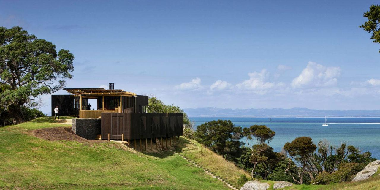 This New Zealand Beach House Has Us Jonesing for a Vacation