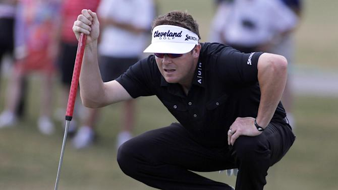 Charlie Beljan lines up his putt on the ninth  hole during the final round of the Children's Miracle Network Hospitals golf tournament in Lake Buena Vista, Fla., Sunday, Nov. 11, 2012. (AP Photo/Reinhold Matay)