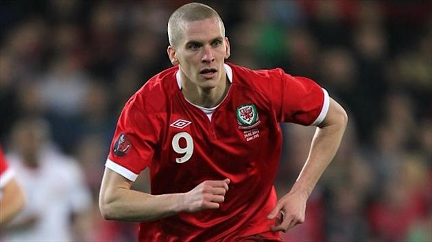 Wales international Steve Morison has returned to former club Millwall on loan from Leeds