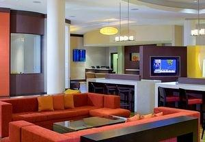 As the Heat Rises, the Rates Drop at Courtyard Miami Airport