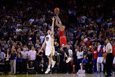 2015 NBA scores: Derrick Rose leads Bulls to overtime win in Golden State