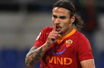 Real Madrid to offer €10 million plus Gago for Osvaldo - report