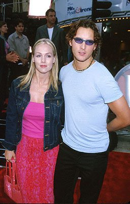 Premiere: Jennie Garth and her betrothed, Peter Facinelli, at the Mann Village Theatre premiere of 20th Century Fox's Me, Myself & Irene - 6/15/2000
