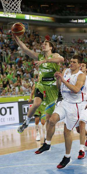 Slovenia beats Serbia, qualifies for World Cup