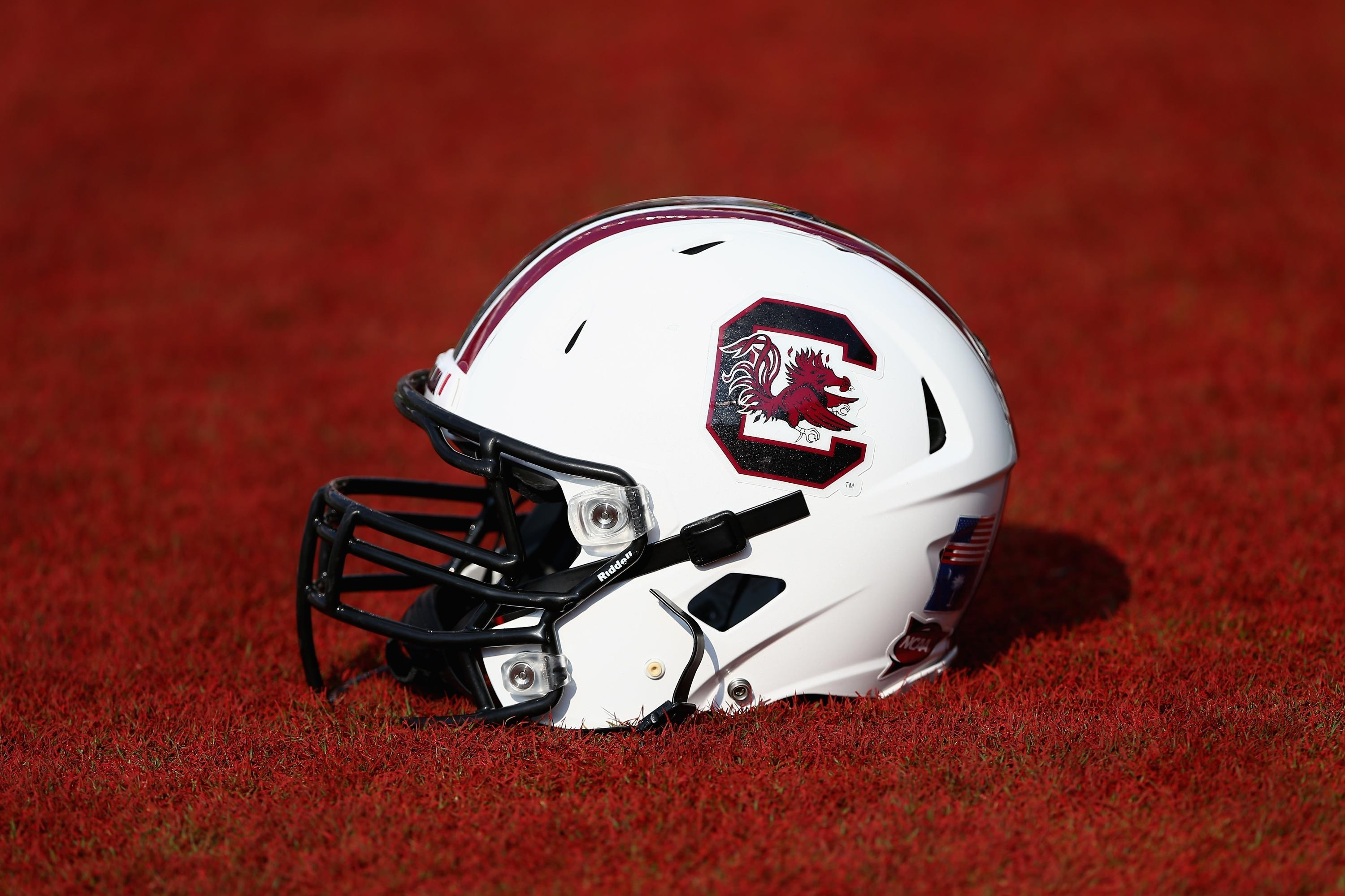 South Carolina loses 2 receivers to season-ending injuries