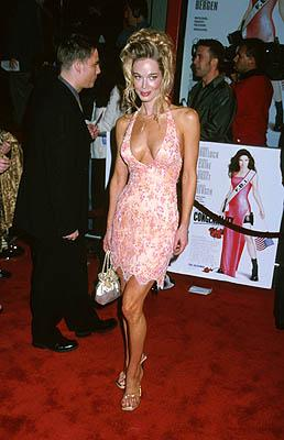 Jennifer Gareis at the Hollywood premiere of Warner Brothers' Miss Congeniality