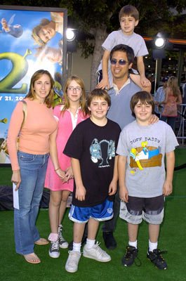 Ray Romano and family at the L.A. premiere of Dreamworks' Shrek 2