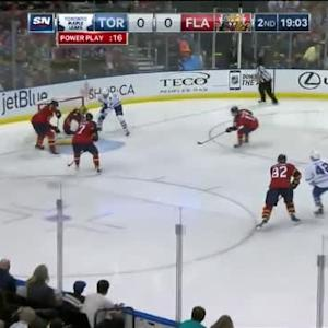 Roberto Luongo Save on James van Riemsdyk (01:00/2nd)