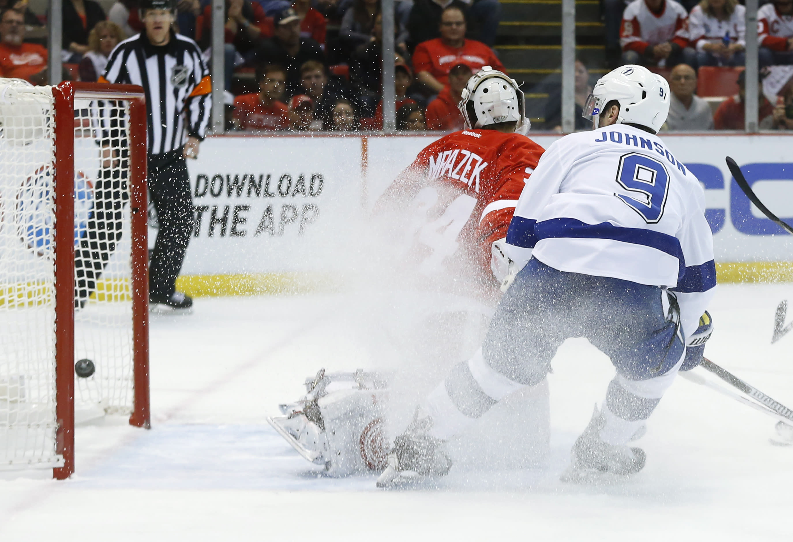 Johnson scores 2, Lightning beat Detroit 5-2 to force Game 7