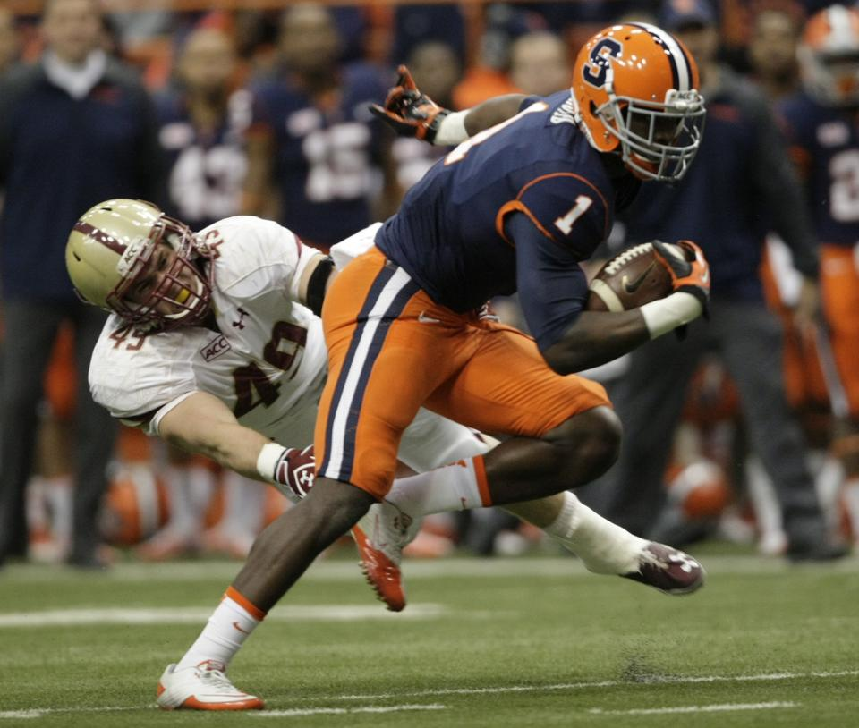 Hunt stuns BC with late TD as Syracuse wins 34-31