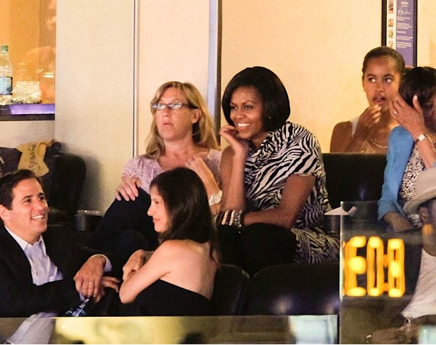 Obama Michelle Lakers Gm