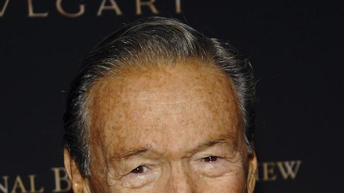 """FILE - This  Jan. 15, 2008, file photo shows television news journalist Mike Wallace at the 2007 National Board of Review of Motion Pictures Awards Gala in New York. Wallace, famed for his tough interviews on """"60 Minutes,"""" has died, Saturday, April 7, 2012. He was 93. (AP Photo/Evan Agostini, file)"""
